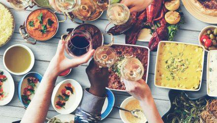 夕食を早めに取るだけで癌のリスクが減る